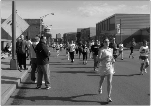 People running a 2009 half marathon